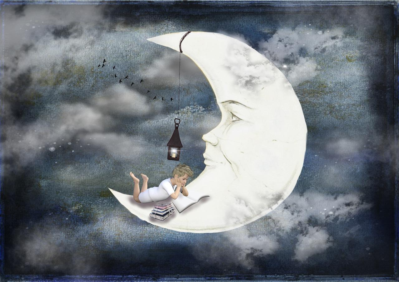 Расскажите или прочитайте ребёнку сказку перед сном