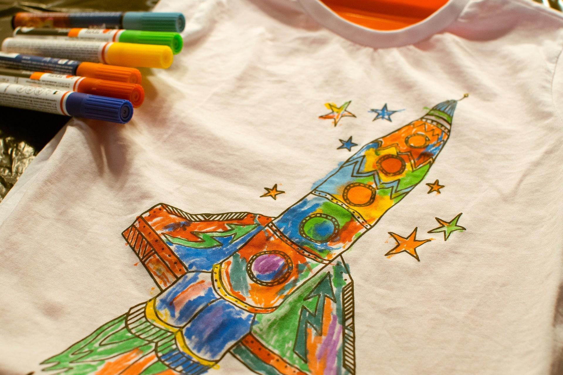 Картинки на детской одежде