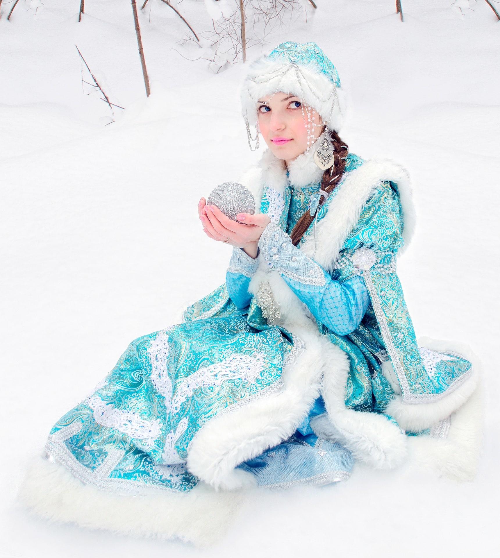 Новогоднее настроение музыка подарки елка снегурочка детские мультфильмы сказки снегурочка и Дед Мороз