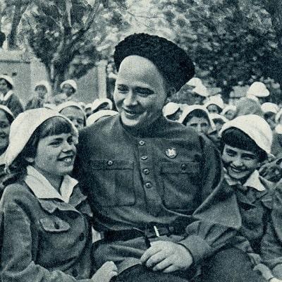 Читайте хорошие добрые рассказы Аркадия Гайдара советский писатель автор сказок для детей собрание произведений текст полностью с иллюстрацией онлайн чтение книги русский язык детская литература