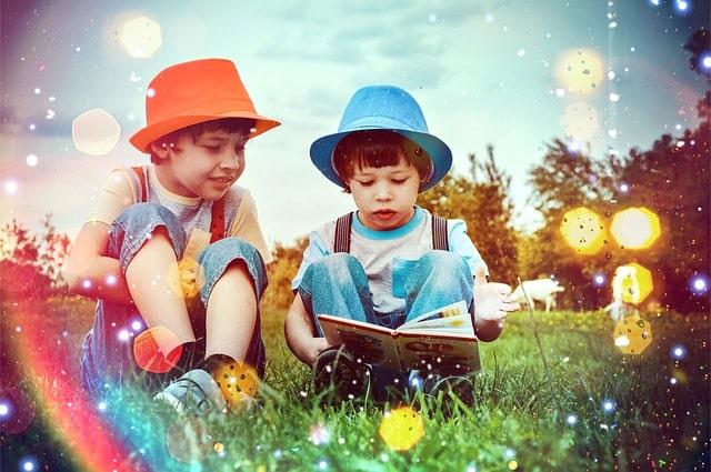 дети читают сказки